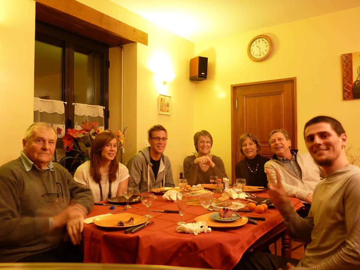 Merci à Raoul(grand-père) ,Julie(fille) ,Yvan(garçon) ,Veronique(tante) ,Catherine(mère) et Francis(père) [Mamers]
