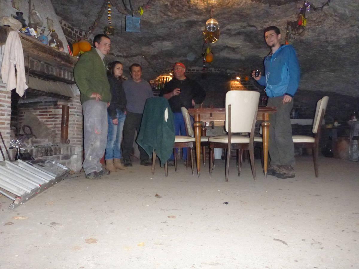"""Merci à """"Ballou"""" et son équipe [ Grotte situé entre Château-Renault et Villechauve]"""