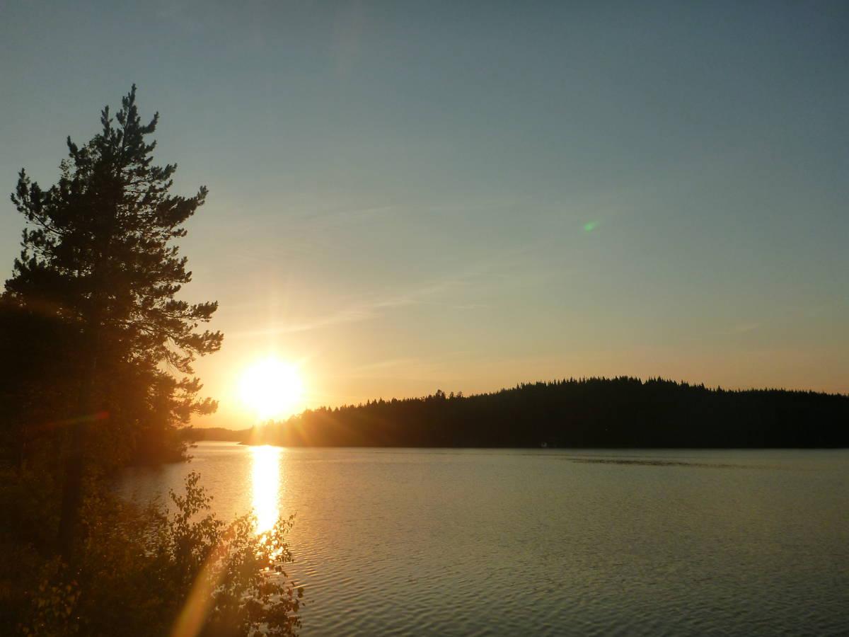Marche au coucher de soleil