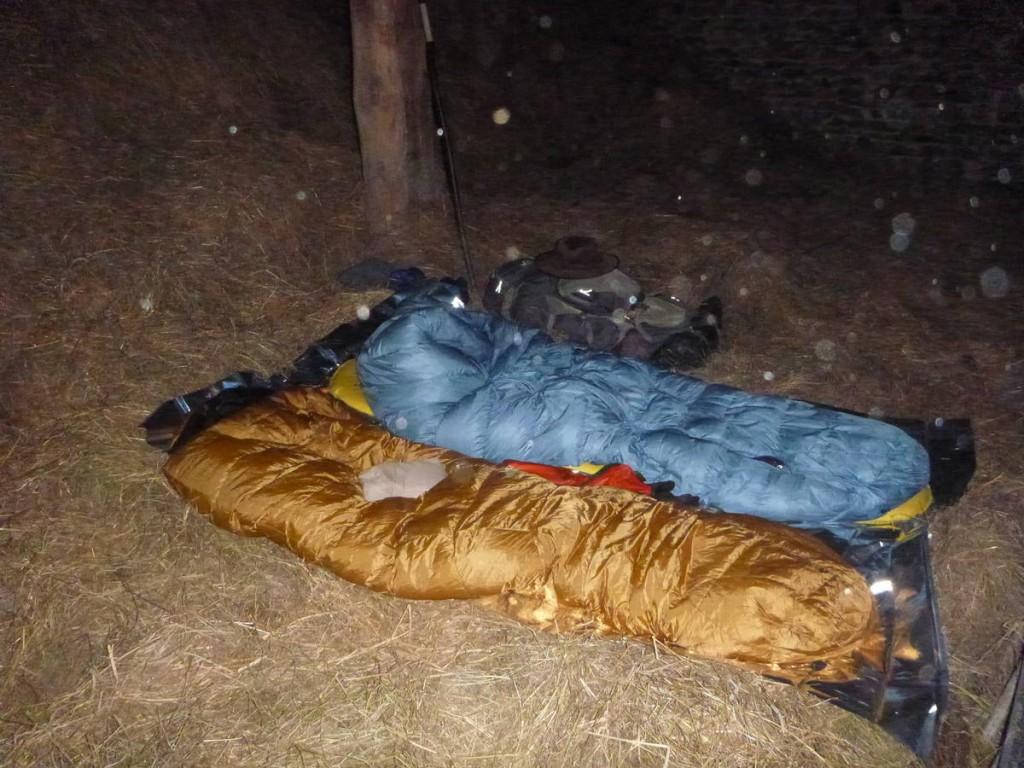 Nuit dans la grange de sœur Marie jean, une ermite religieuse vivant dans une petite maison de pierre dans la forêt
