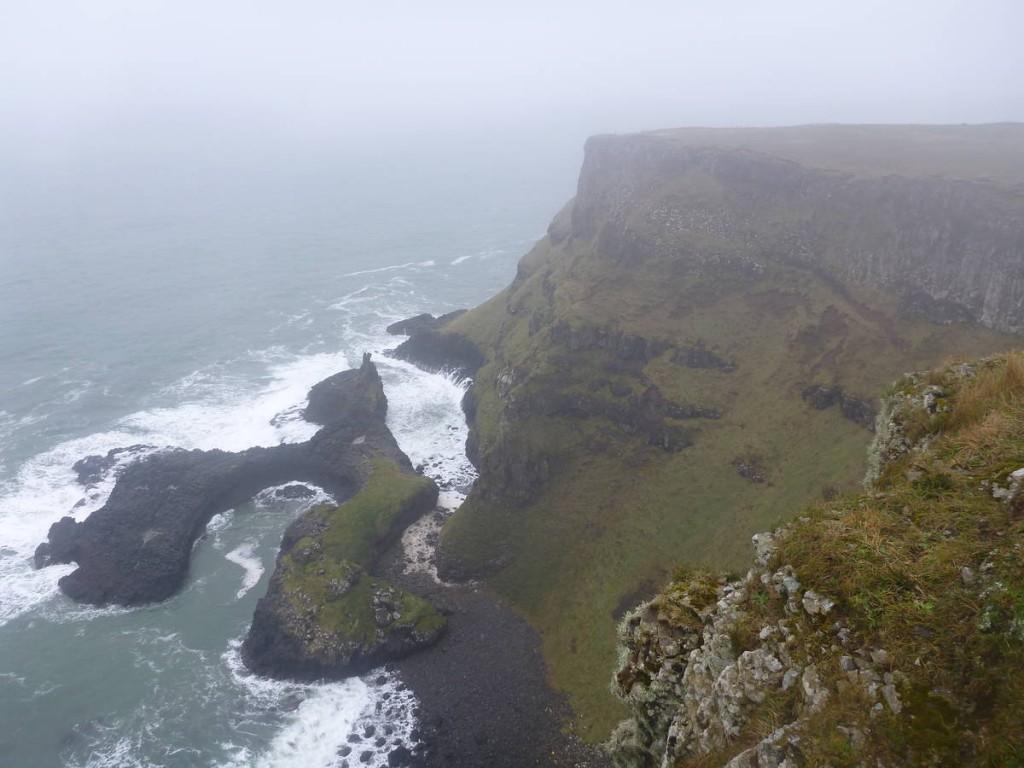 Les falaises et récifs sont impressionnants
