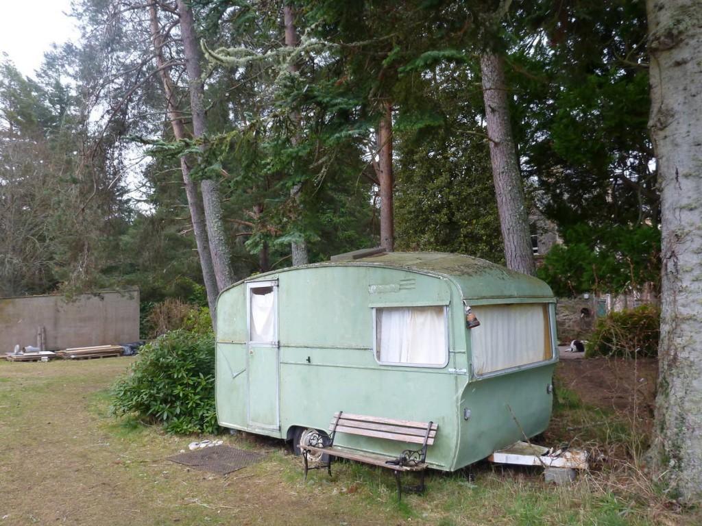 Nous logeons la première semaine dans cette caravane