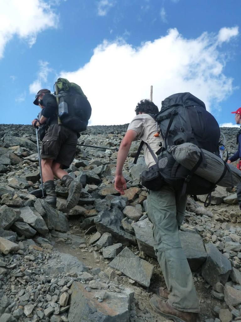 Cinq heures de rudes efforts sont nécessaire afin d'atteindre le sommet