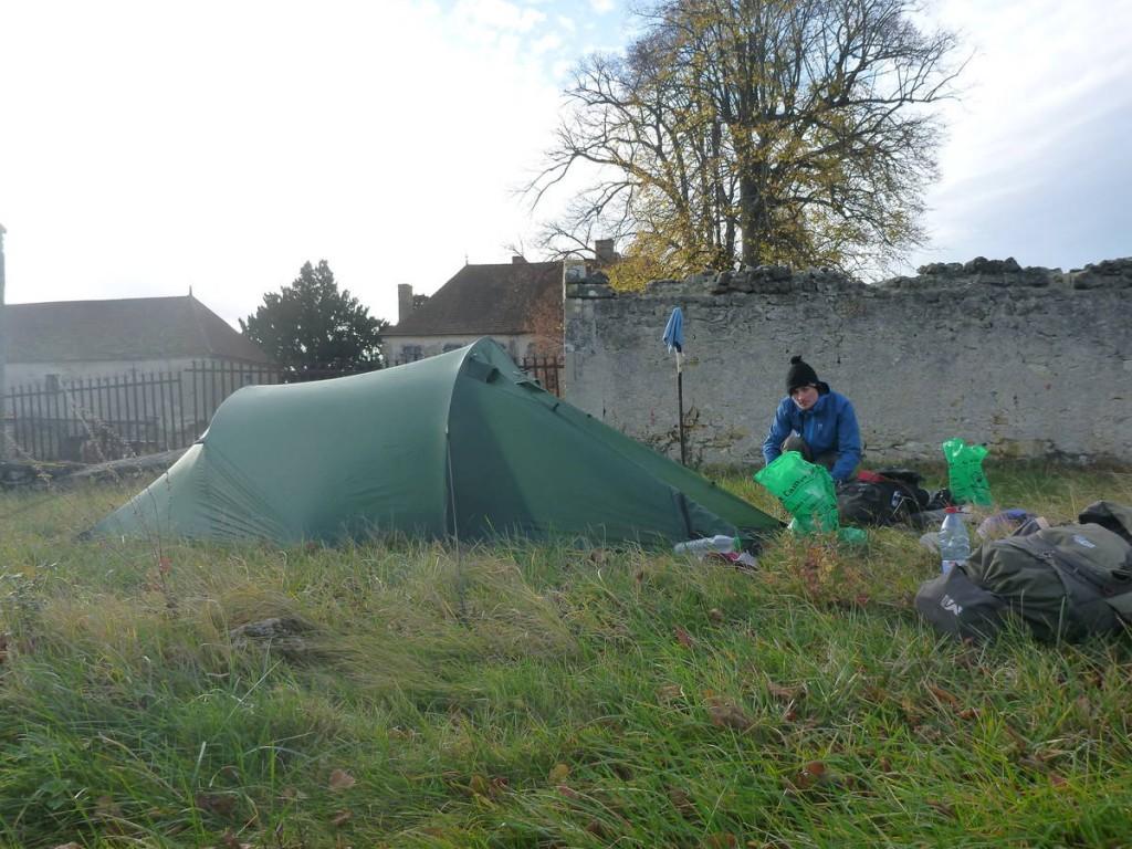 Nous ne dormons que très rarement sous la tente, l'hospitalité nous ayant prouvé que l'on pouvait aisément s'en passer