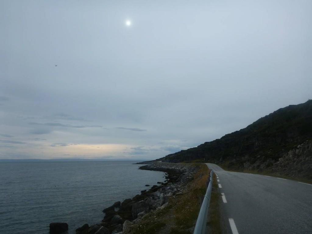 La route du cap nord. Une petite semaine de marche nous attends pour l'atteindre, que nous devrons refaire en sens inverse par la suite