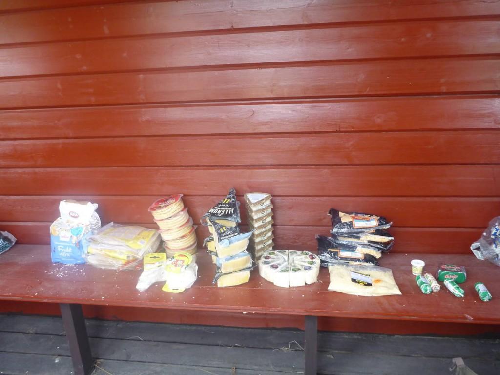 Quinze kilos de fromages qui constituerons nos repas pour le reste de la semaine