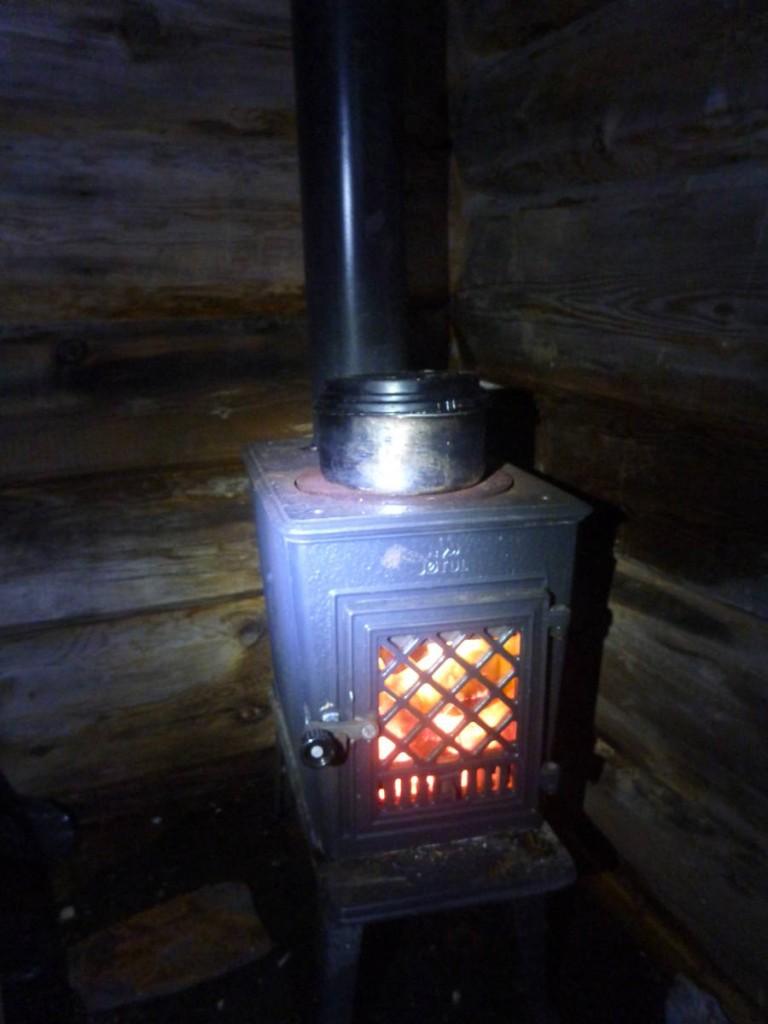 Un poêle à bois nous fourni une chaleur très appréciée