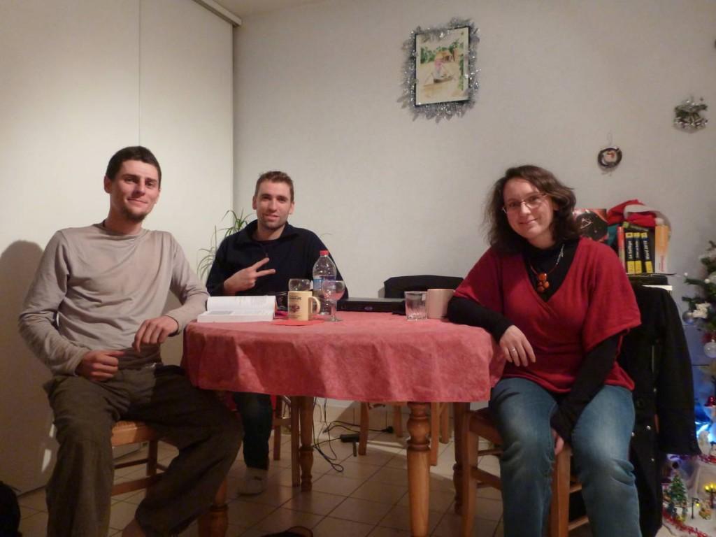 En visitant l'église de La Ferté Bernard, Michael s'intéresse à moi et m'invite avec sa copine Stéphanie à manger une fondue chez eux