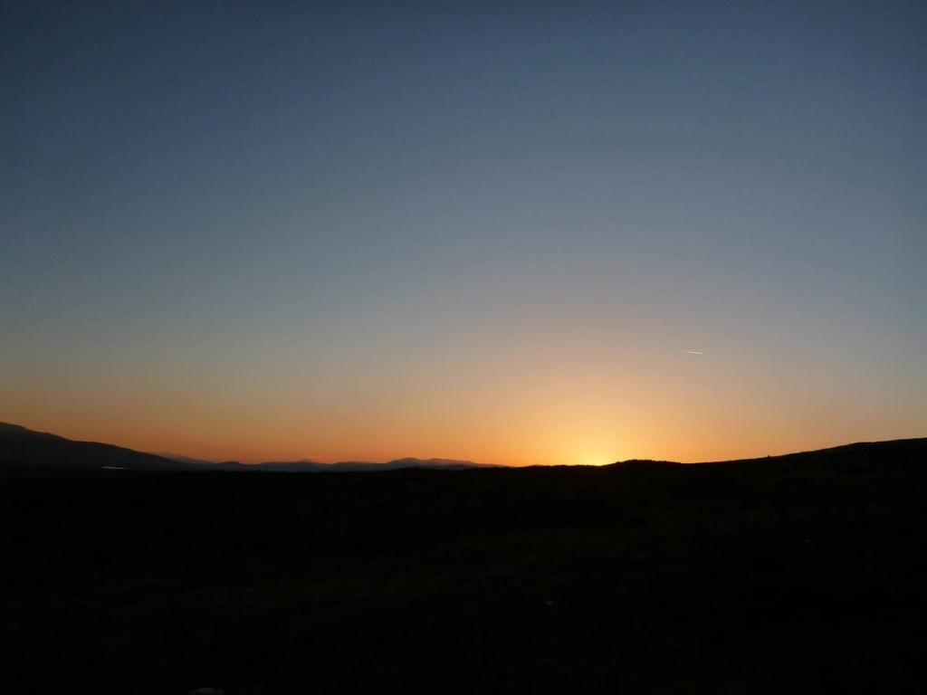 Partis très tôt nous assistons au levé de soleil au milieu de cette vallée