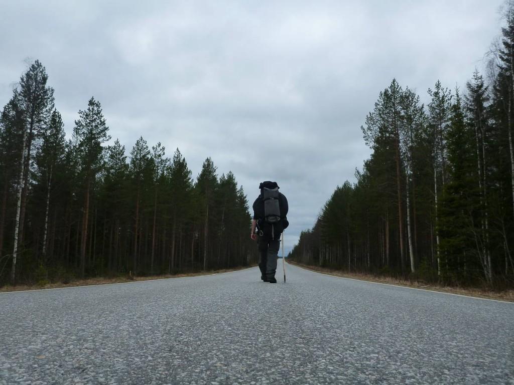 Le bitume n'est pas très marrant mais passer par la forêt n'est vraiment pas possible en cette période
