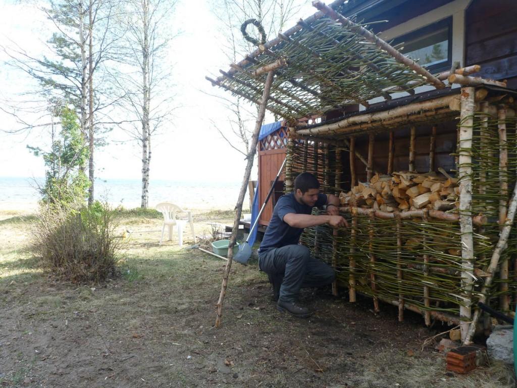 Je rencontre les propriétaires d'un camping sur une île dans le lac Oulu. Ils me proposent ensuite de les aider une dizaine de jours. J'accepte
