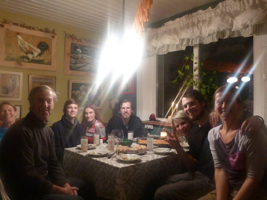 Dernière soirée en compagnie de toute la famille. Les adieux le lendemain sont très émouvants