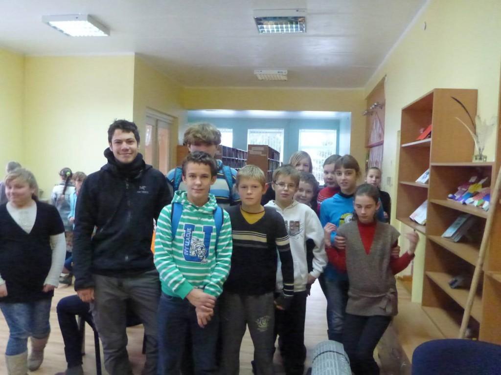 Je rencontre les professeurs de certaines écoles qui me font visiter et donner quelques interventions auprès des élèves