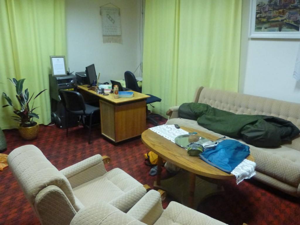 Une employée de la mairie du village de Tauragnai me loge pour la nuit dans son bureau. Et heureusement car les températures dehors sont autour des moins quinze degrés