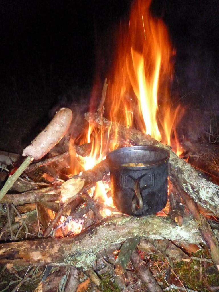 La vie parait si simple et belle autour d'un bon feu sous – 15 degrés