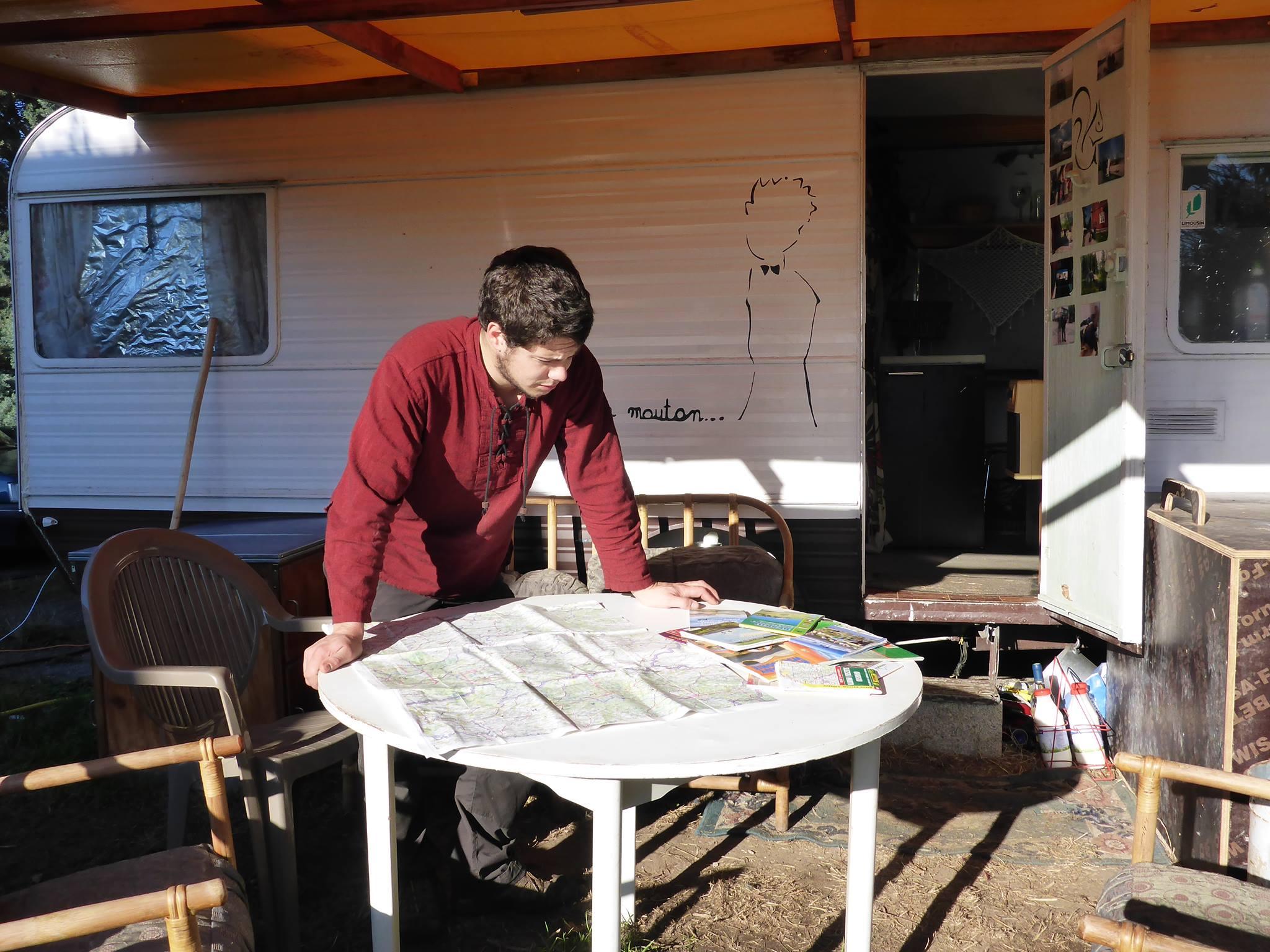 Programme des dernières semaines avant le nouveau départ : Rassemblement du matos et repérage sur les cartes