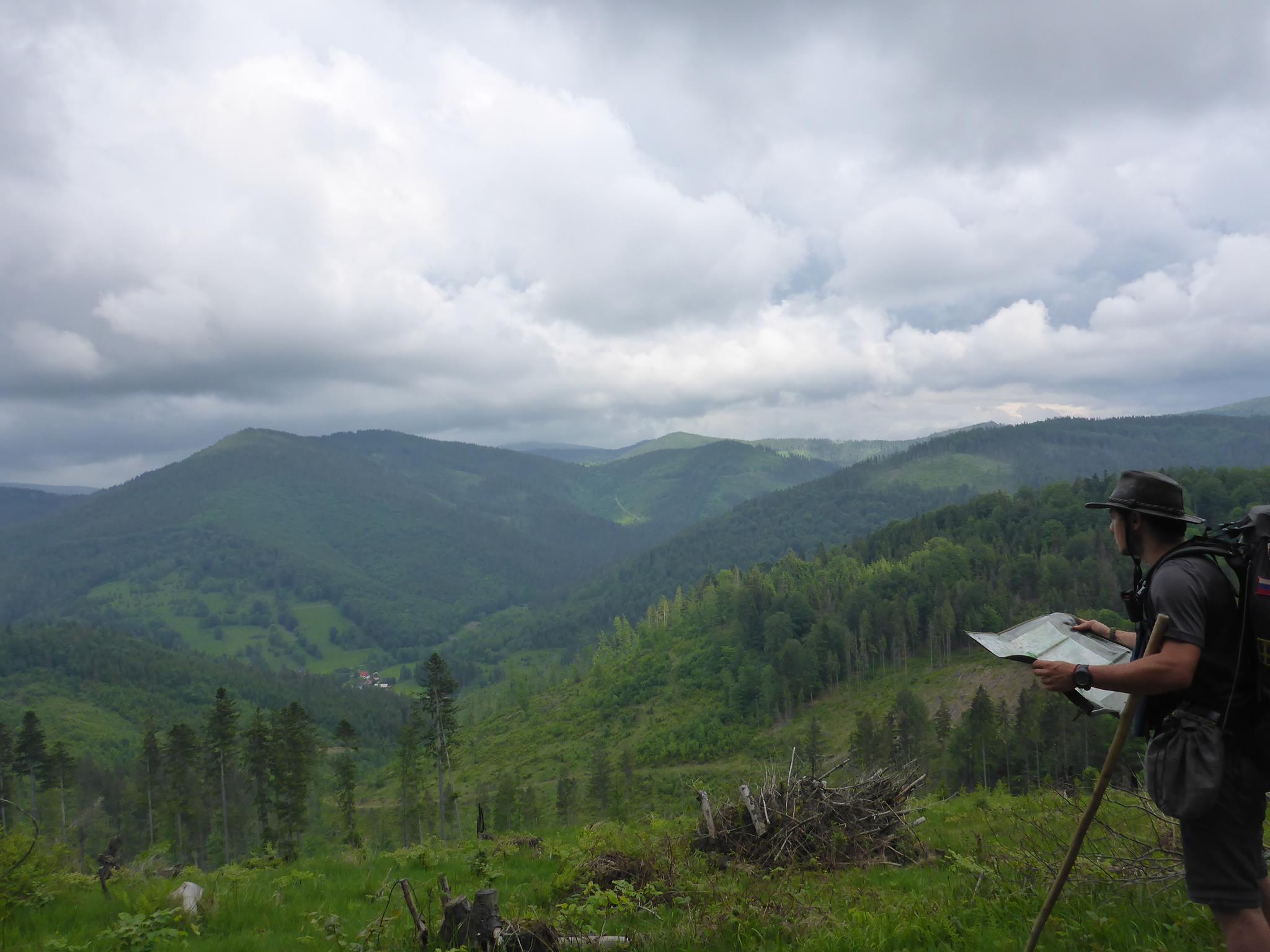 Je me réadapte à la marche à travers de belles petites montagnes