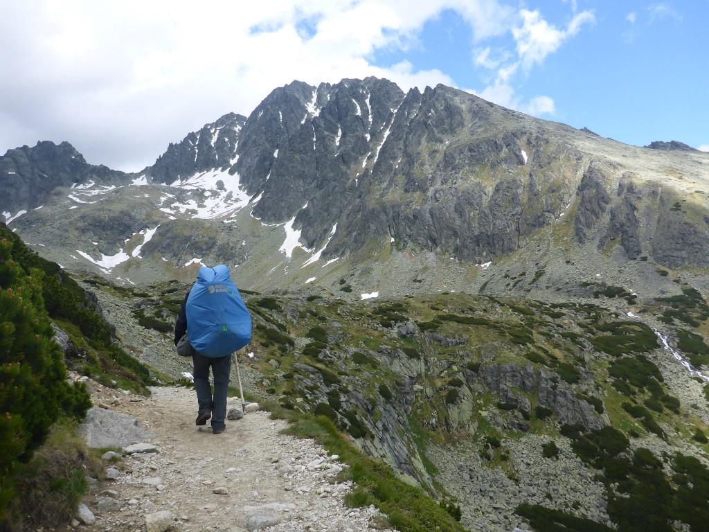 Je fais mes adieux à Tomek puis poursuis ma traversée dans le massif