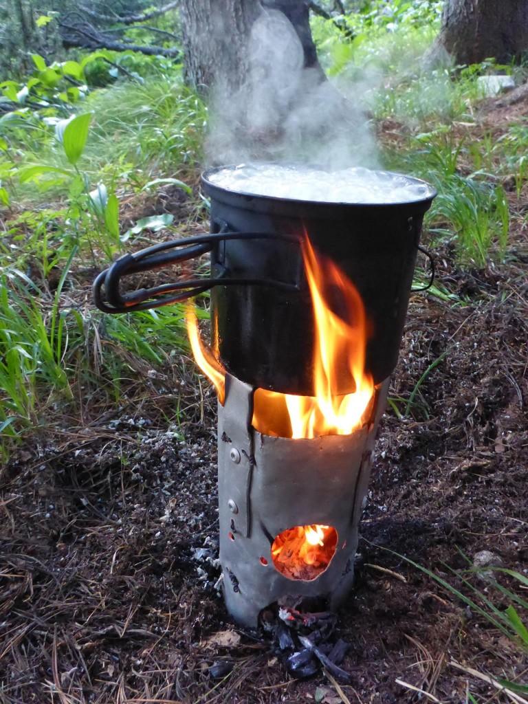 Je peux enfin faire du feu et me préparer un bon repas chaud