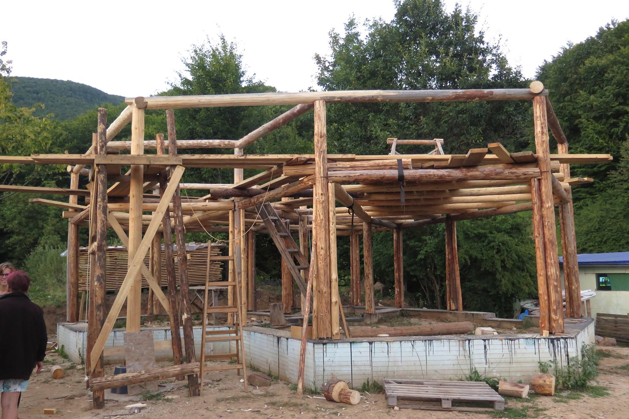 La maison du frère d'Adi, constuite à quatre cents mètres de la sienne. Sa construction est bien plus rapide