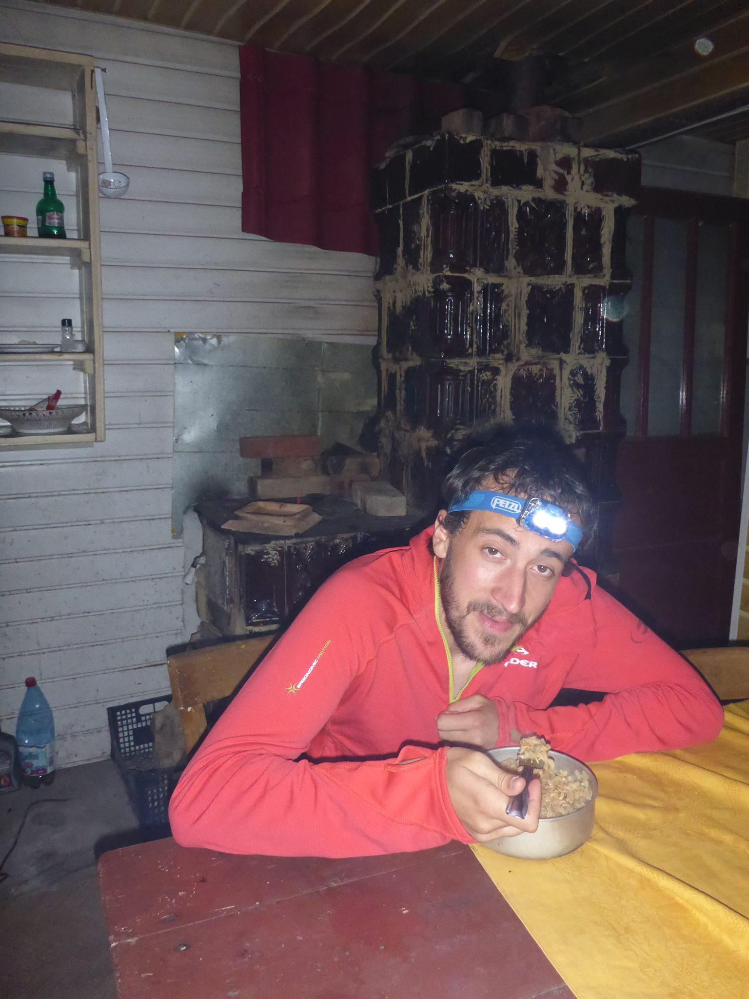 Nous dormons dans un refuge vide la première nuit, après plus de mille mètres de dénivellés