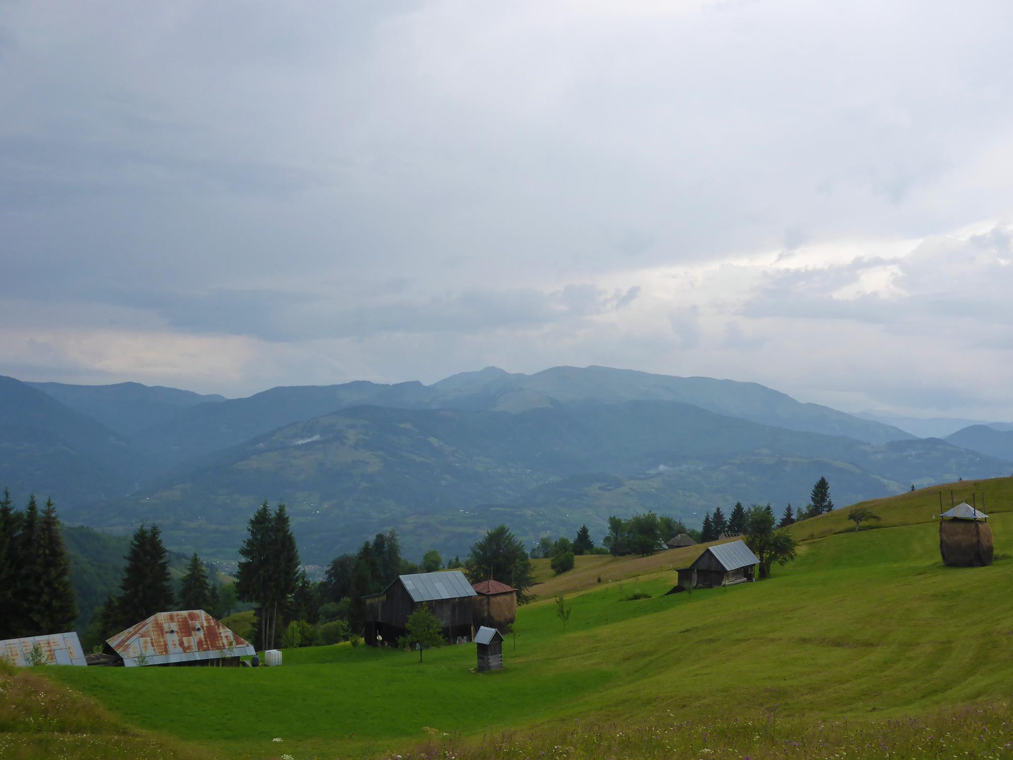 La région à vraiment un caractère sauvage. Ici les gens vivent sans problème en haut des montagnes en presque total autosuffisance.