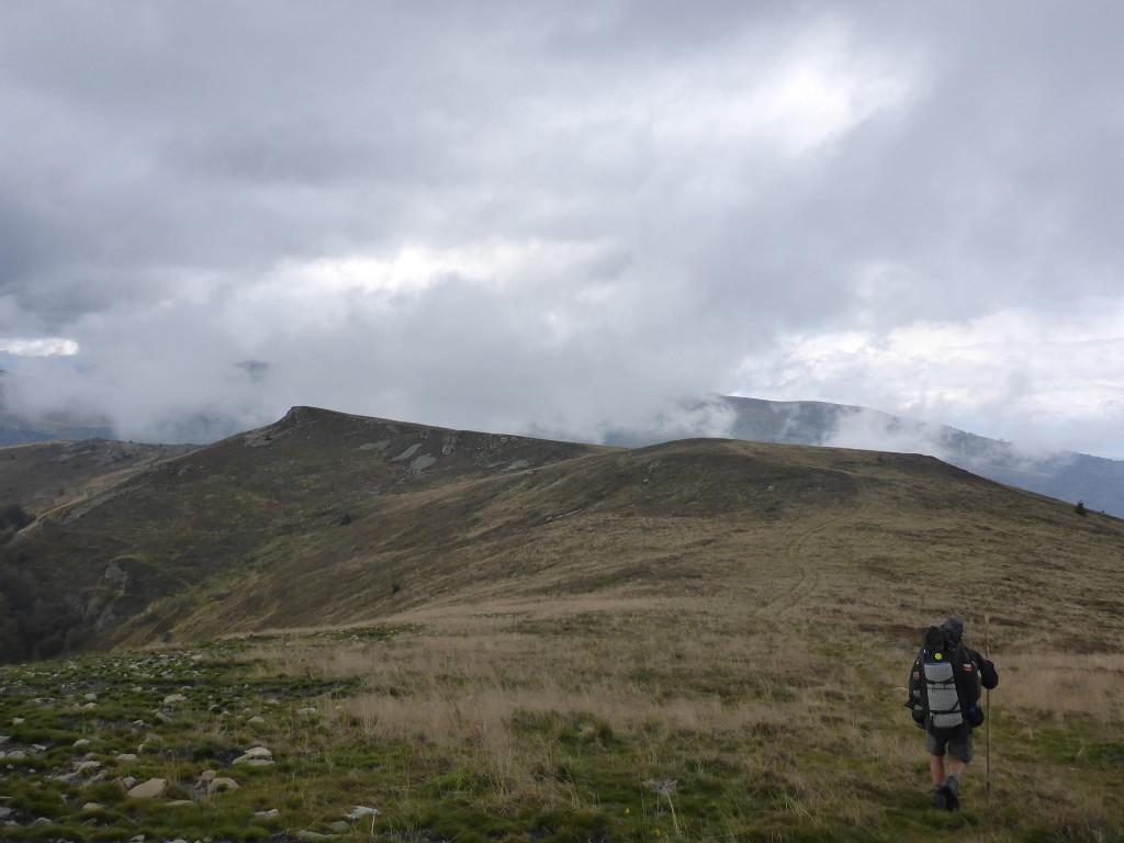 J'arrive en haut bien content. Je n'ai plus qu'à marcher durant deux jours avant d'atteindre les fameuses montagnes des Retezats