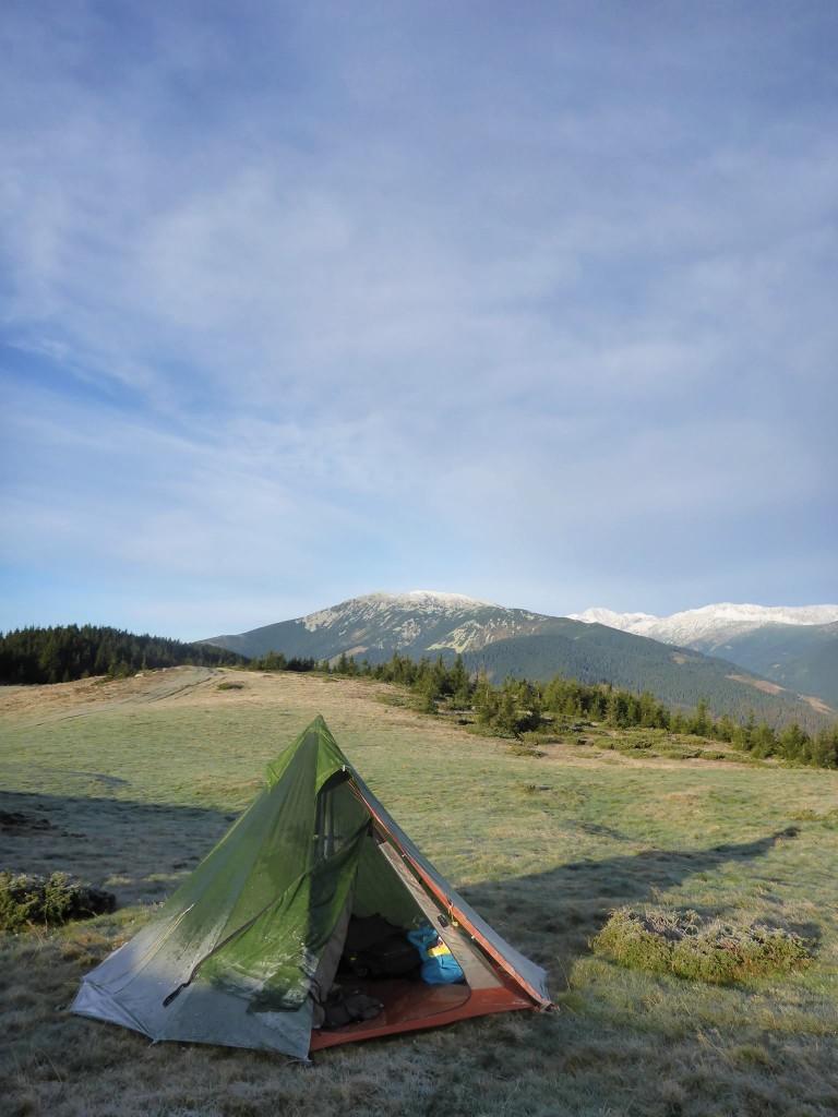 Je reste bloqué 36 heures sous ma tente à cause d'un vent tès violent ainsi qu'un brouillard épais.