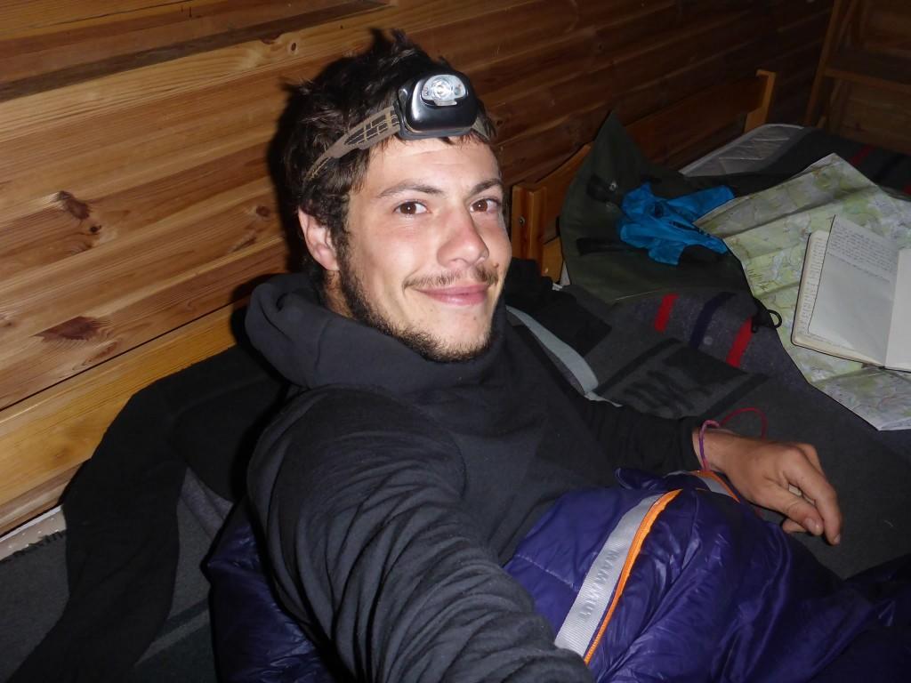 Je me repose dans un refuge vide durant deux nuits afin de laisser le mauvais temps passer