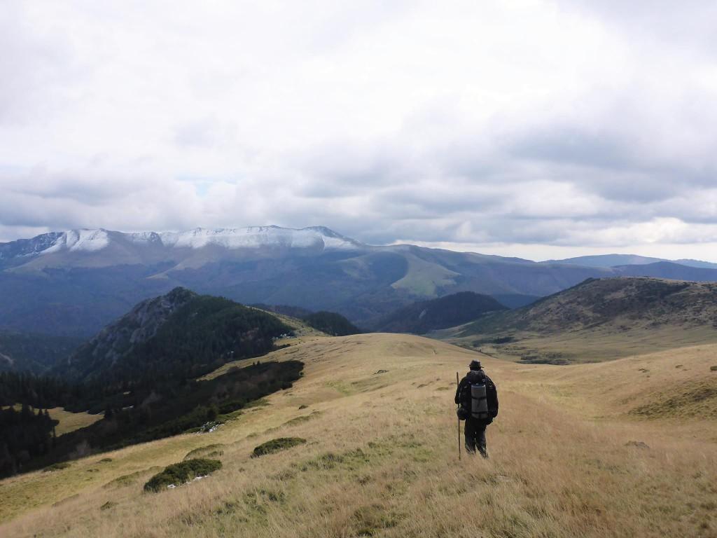 Et je termine ma traversée des Carpates par le massif des petites Retezats. Cette traversée m'aura occupé près de cinq mois et quelques deux-milles kilomètres