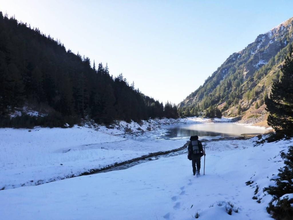 Je prend la décision de rejoindre la vallé et d'arrêter ma marche dans les montagnes. Cela devenait vraiment trop dangereux
