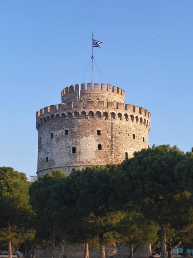 La tour blanche, une ancienne prison devenue maintenant l'emblème de la ville
