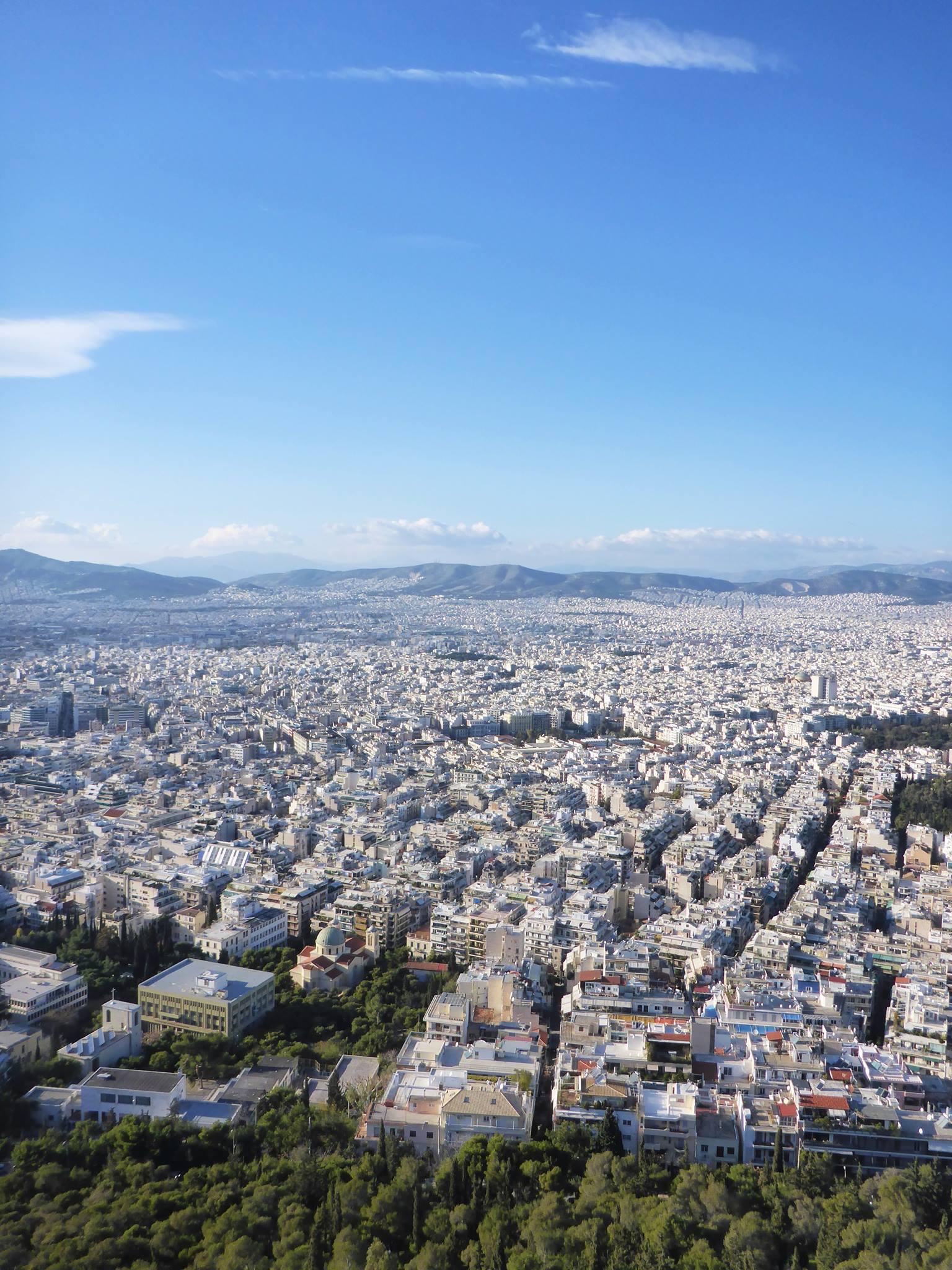 Je fais ensuite une pause dans ma marche et me rends en train à Athènes afin de retrouver ma maraine qui y vit ainsi que ma famille venu de france pour célèbrer noël avec moi