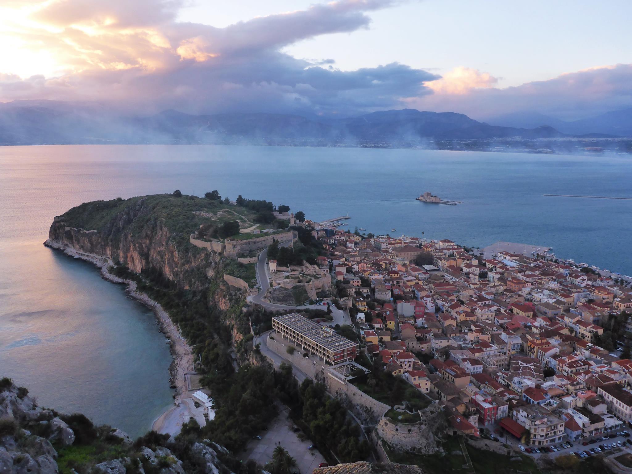 Nous partons pour quelques jours dans le Péloponèse, à visiter de nombreux lieux