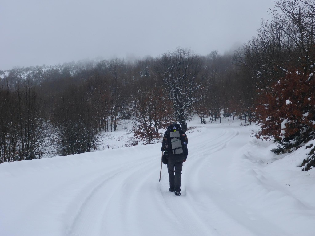 La neige revient et ne s'arrête pas pendant presque trois jours d'affillés