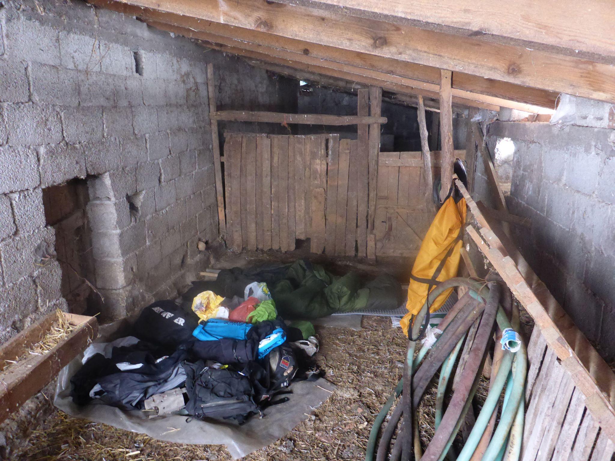 Une grange déserte pour une autre