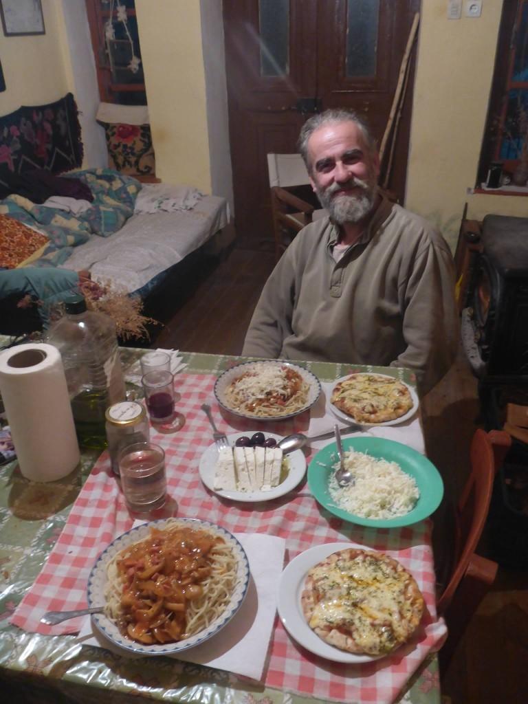 Je rencontre Siergios, qui m'invite à passer une nuit au chaud dans sa maison