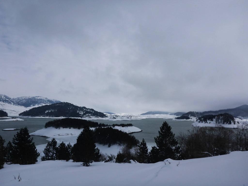 Un immense lac se trouve au sud du parc national