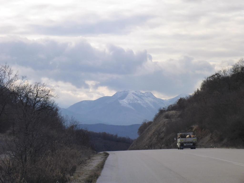 Et à cinq kilomètres se trouve la bordure de l'Albanie, ainsi qu'une belle surprise qui arrive... To be continued...