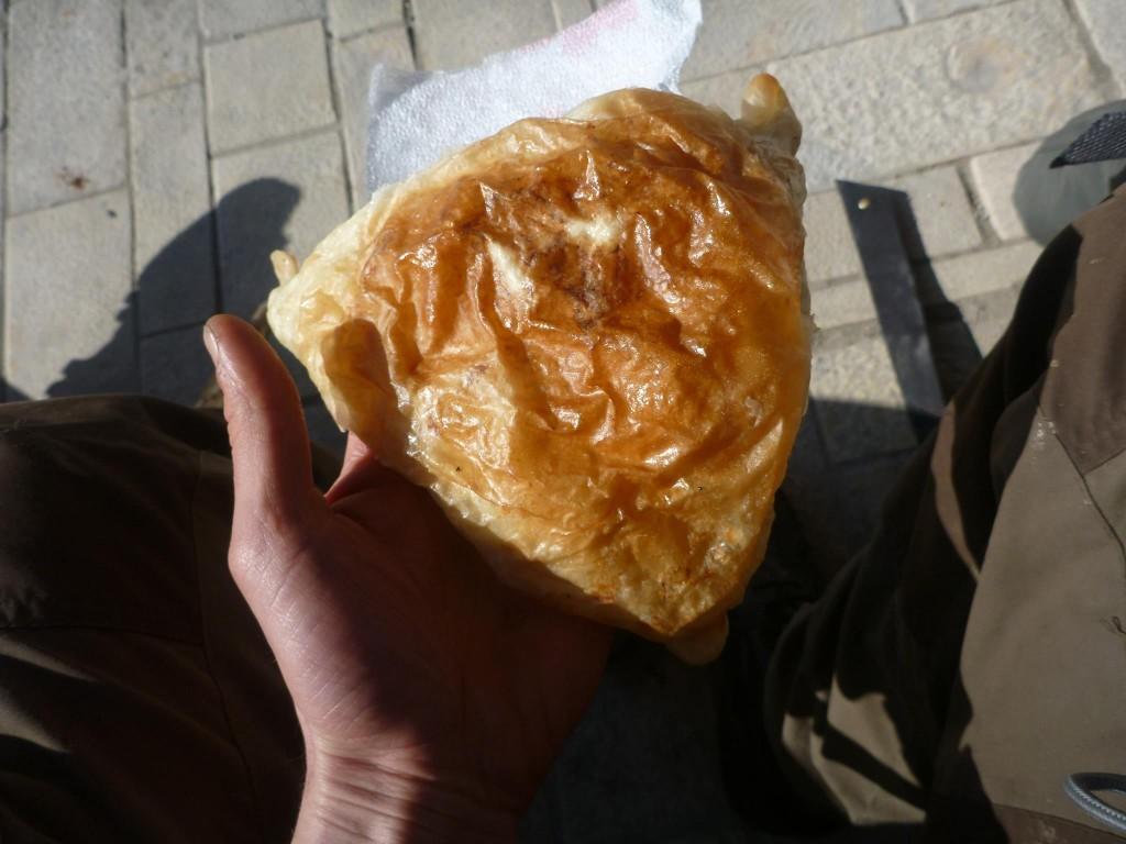 Le byrek, moins de trente centimes d'euro, délicieux, cela constitue une bonne part de l'alimentation d'un albanais