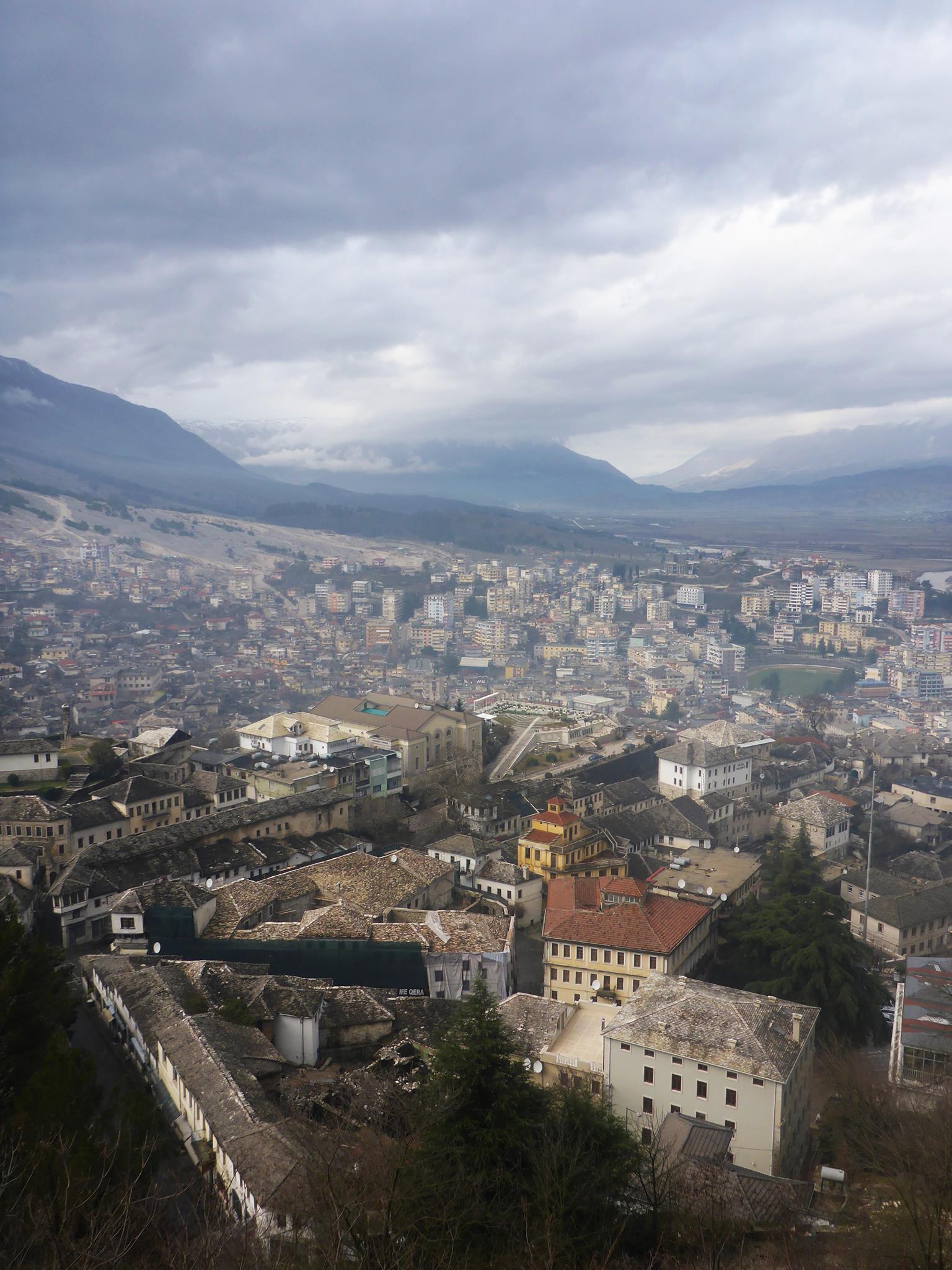 Je reste une semaine à Gjirokastër, une ancienne cité ottomane magnifique
