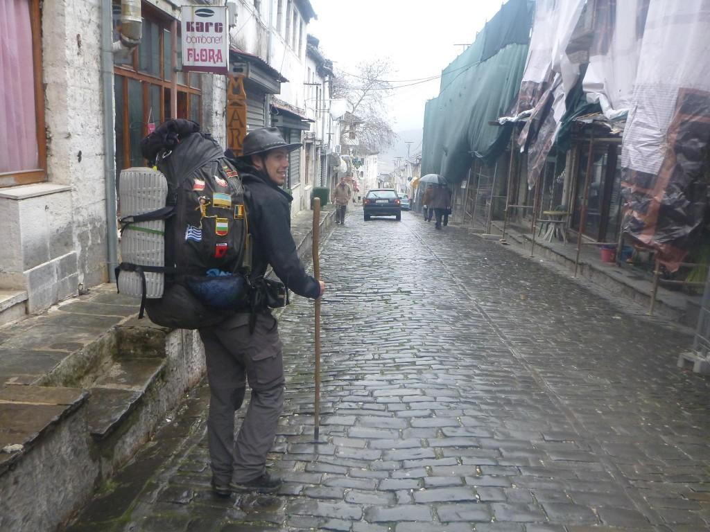 Nous partons de Gjirokastër sous l'orage
