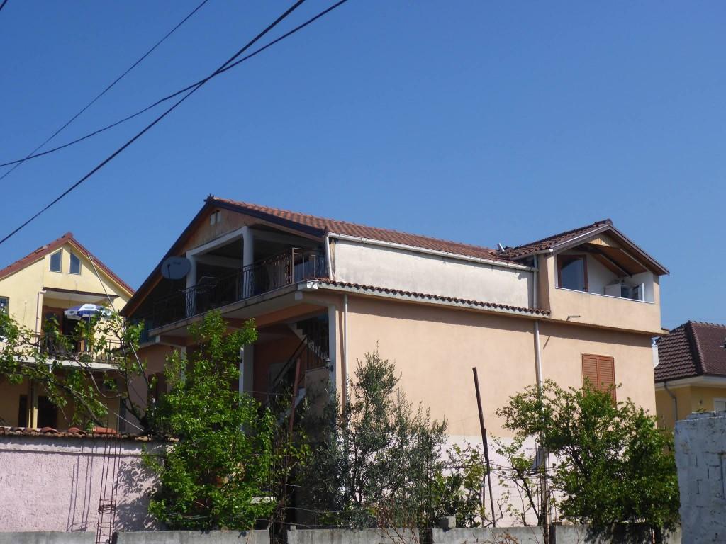 Ma coloc pour ces deux mois à Tirana (le dernier étage)