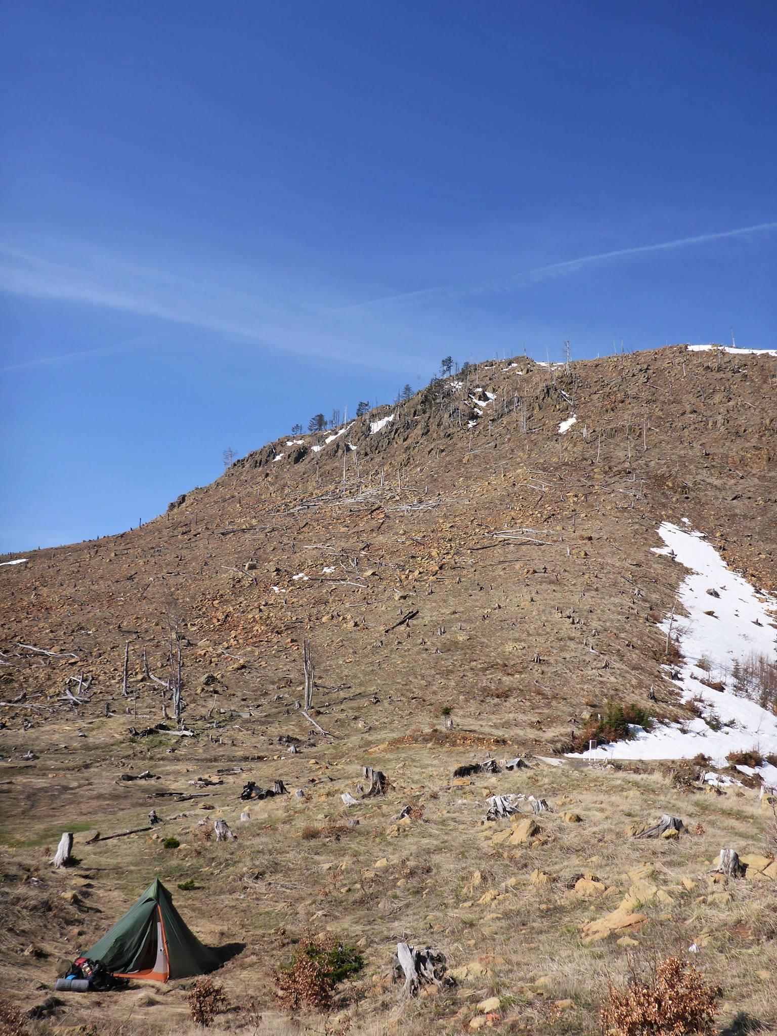 La neige reste présente après 1600 mètres