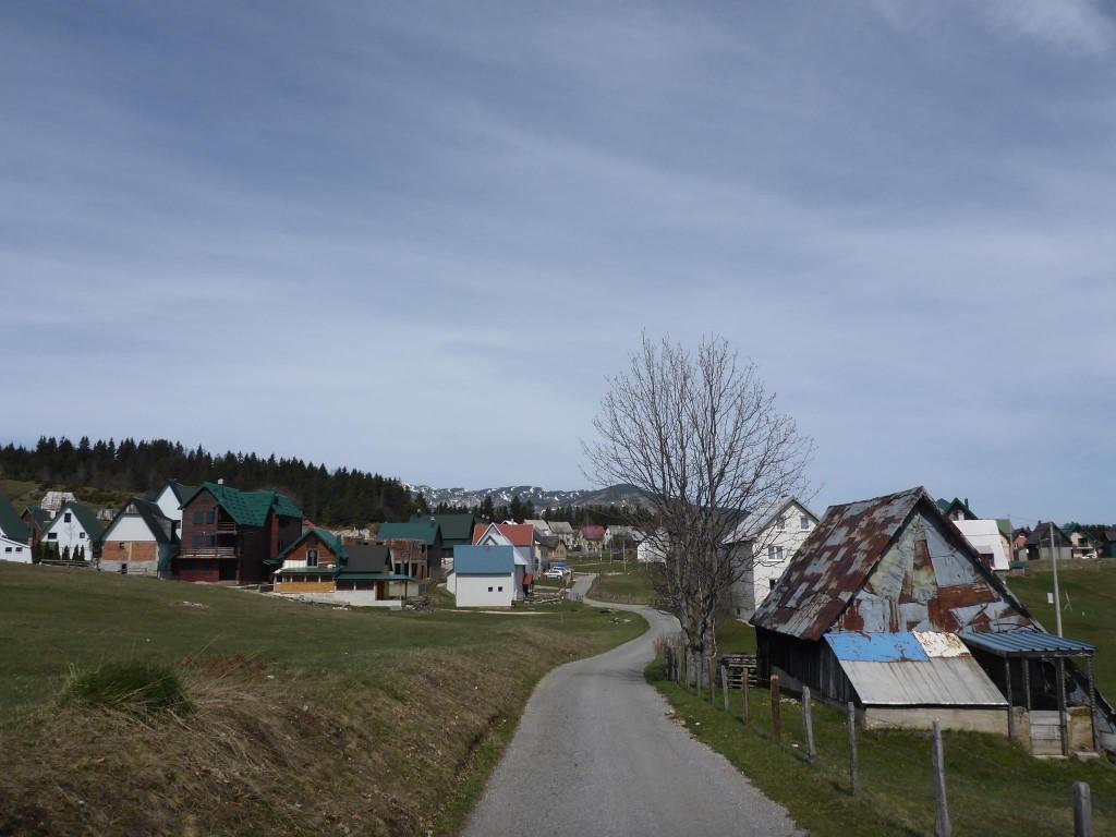 J'arrive au village de montagne de Žabljak où je reste six jours à me reposer dans une auberge
