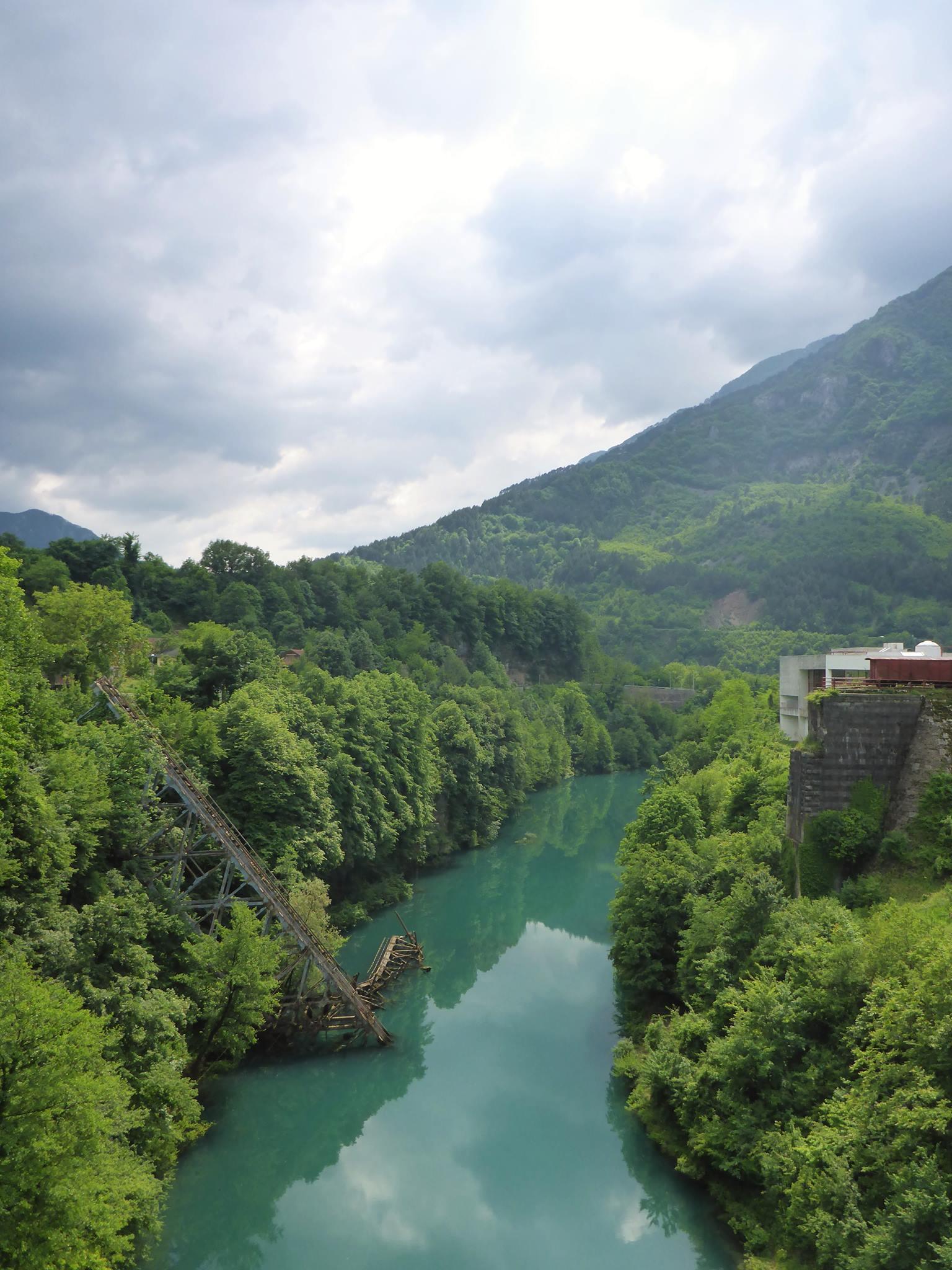 """Le pont détruit de Jablanica, reconstitué pour le très célèbre film """"La bataille de la Neretva"""""""