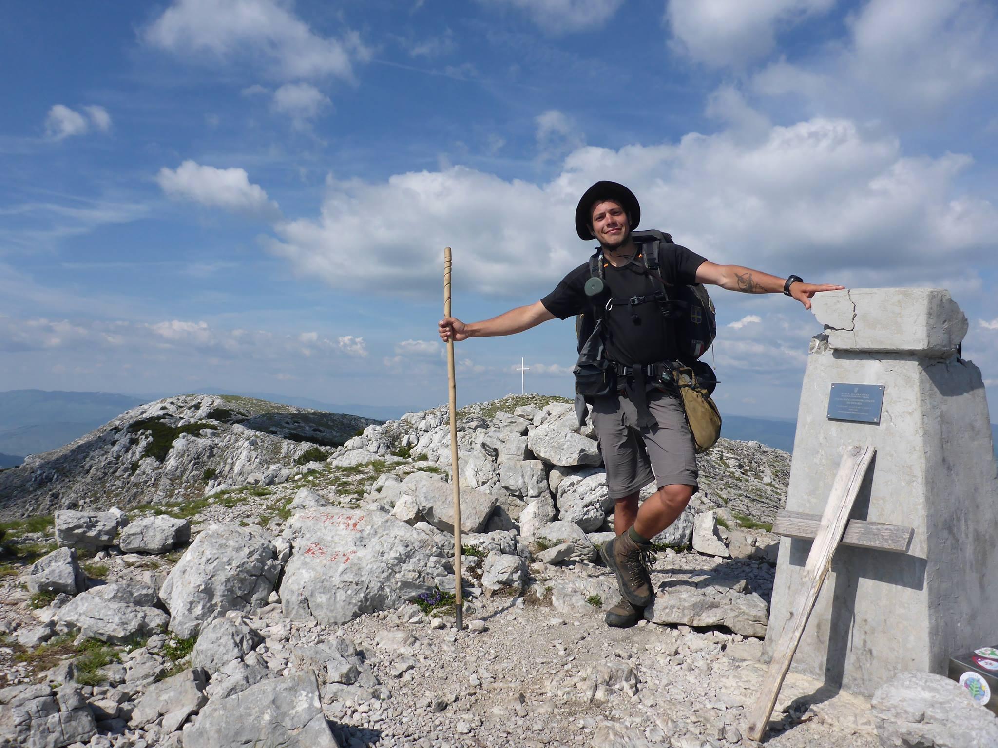 Plusieurs heures d'efforts m'emmènent sur la montagne culminante de Croatie : Le Dinara (1831m)