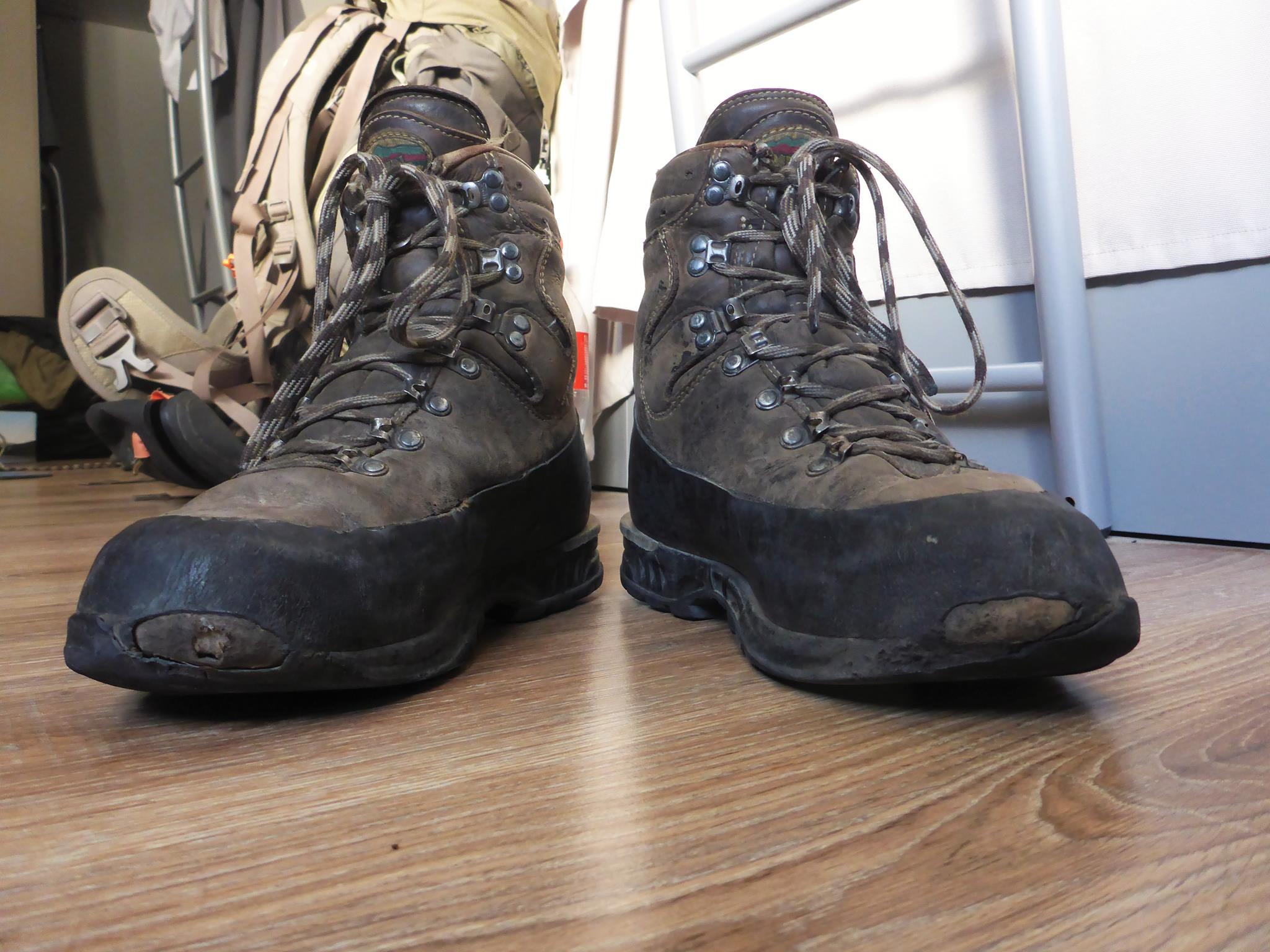 Ma sixième paire de chaussures de ce voyage prennent leur retraite bien mérité. Comptage kilomètriques pour celle-ci : 3100 kilomètres.