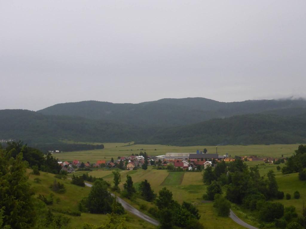 J'arrive au village de Mrkopalj bien heureux de pouvoir me ravitailler après ces douze jours dans les Velebit