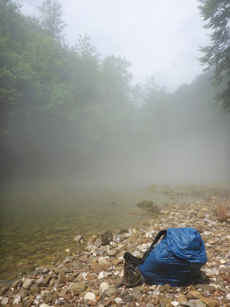 Le orages ne font ensuite que venir et partir, cela pendant les trois jours suivant. Se laver dans les rivières se fait alors sous le déluge. C'est une expérience à vivre !